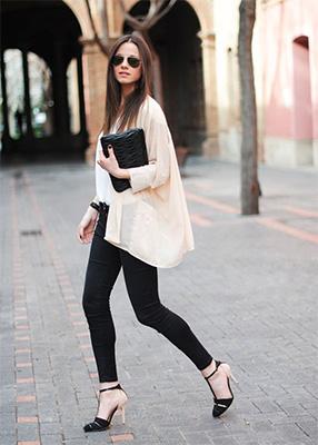 Какво да носите с черни дънки?