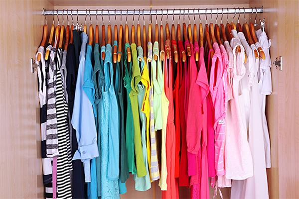 Изразете себе си с цветовете на дрехите